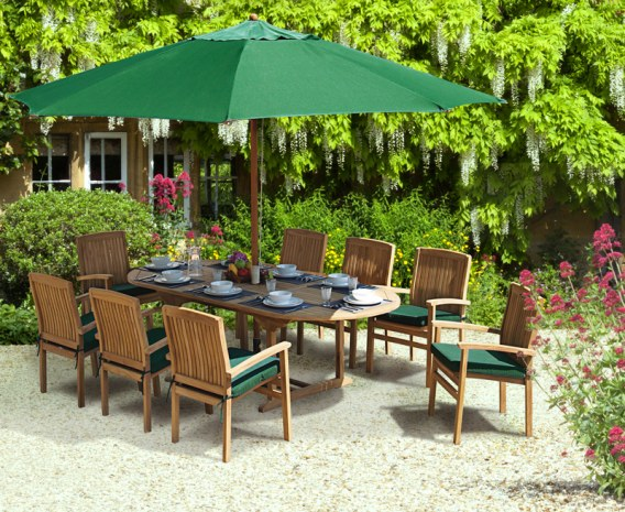 Oxburgh 8 Seater 1.8-2.4m Extendable Table with Cannes Armchairs